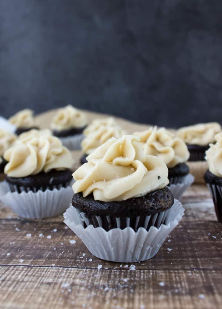 Dark chocolate mini cupcake with salted caramel frosting-9