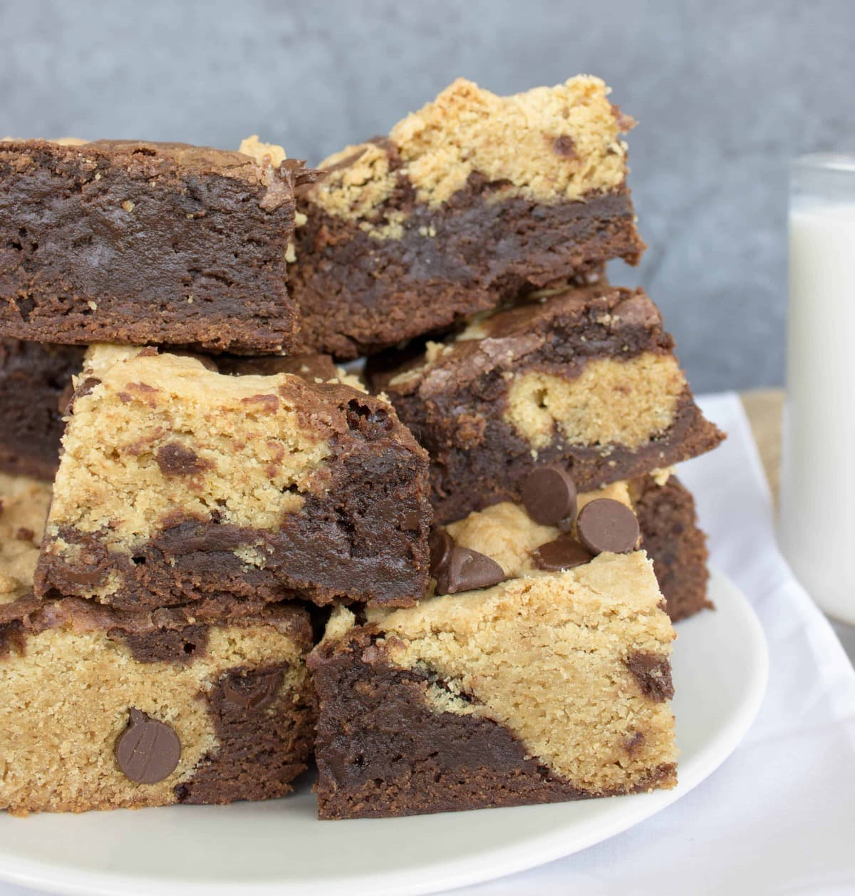 Chocolate Chip Cookie Brownie Bars - Sugar Spun Run