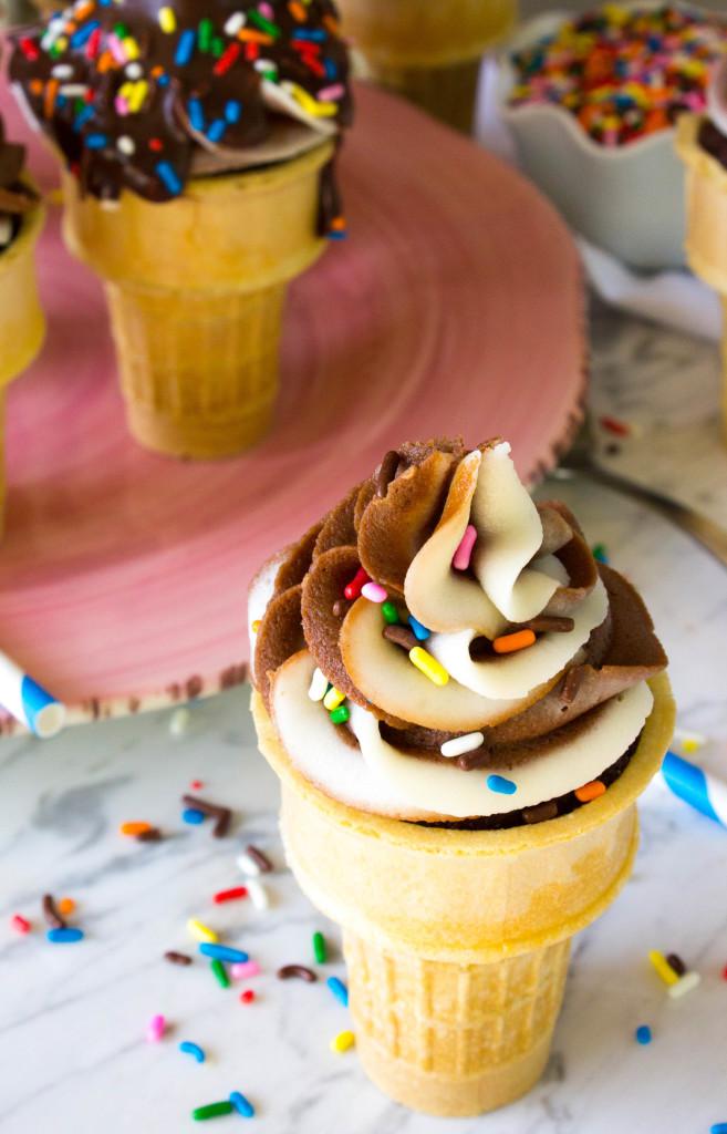 Chocolate Ice Cream Cone Cupcakes with a vanilla chocolate cream cheese swirl icing and optional chocolate sauce || SugarSpunRun