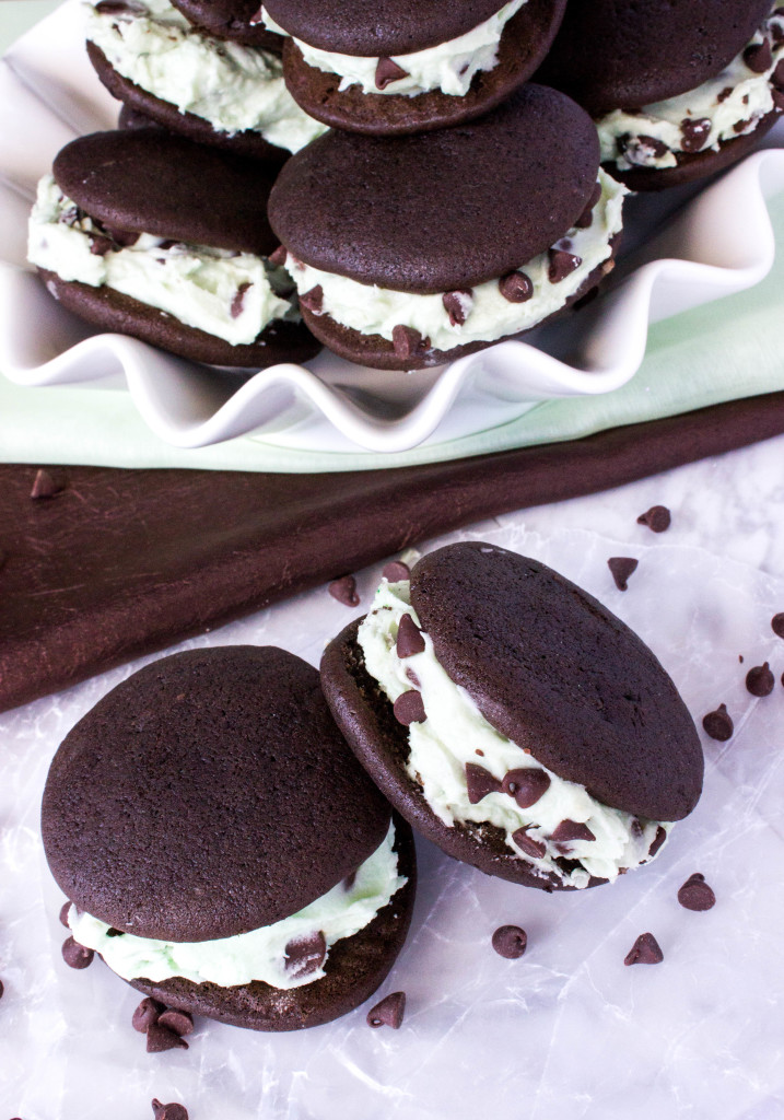 Dark chocolate whoopie pies with mint filling