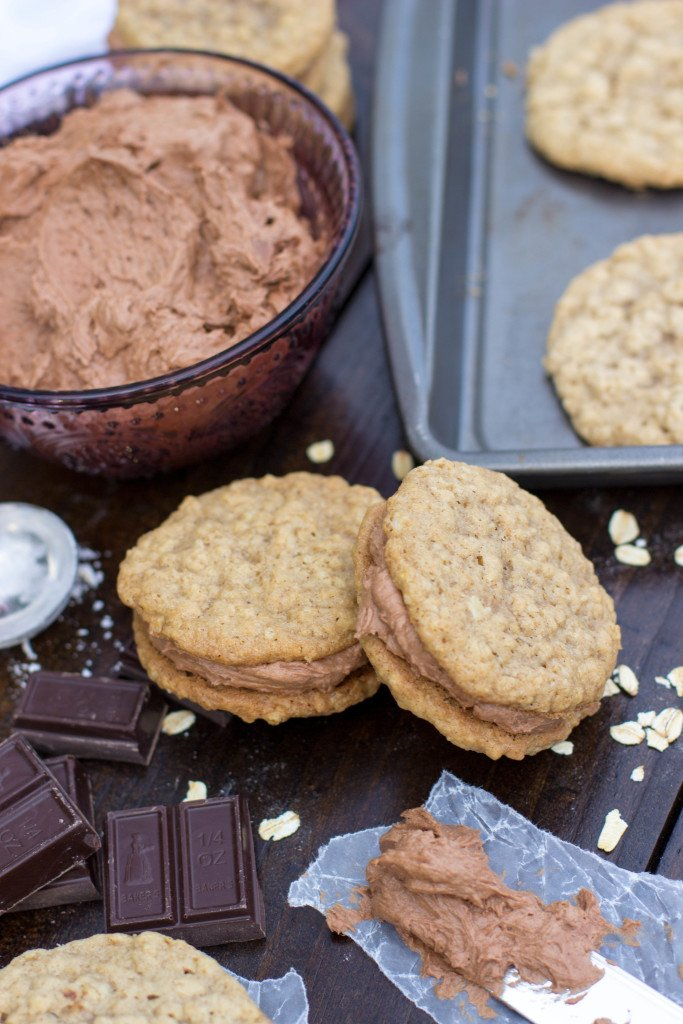 Oatmeal Creme Pies with Malted Chocolate Creme || SugarSpunRun.com