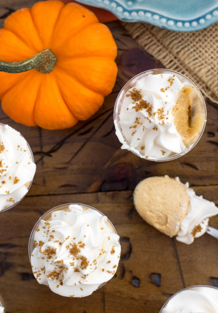No-Bake Pumpkin Pie Cheesecake Dessert Shooters make for fun, festive desserts|| SugarSpunRun