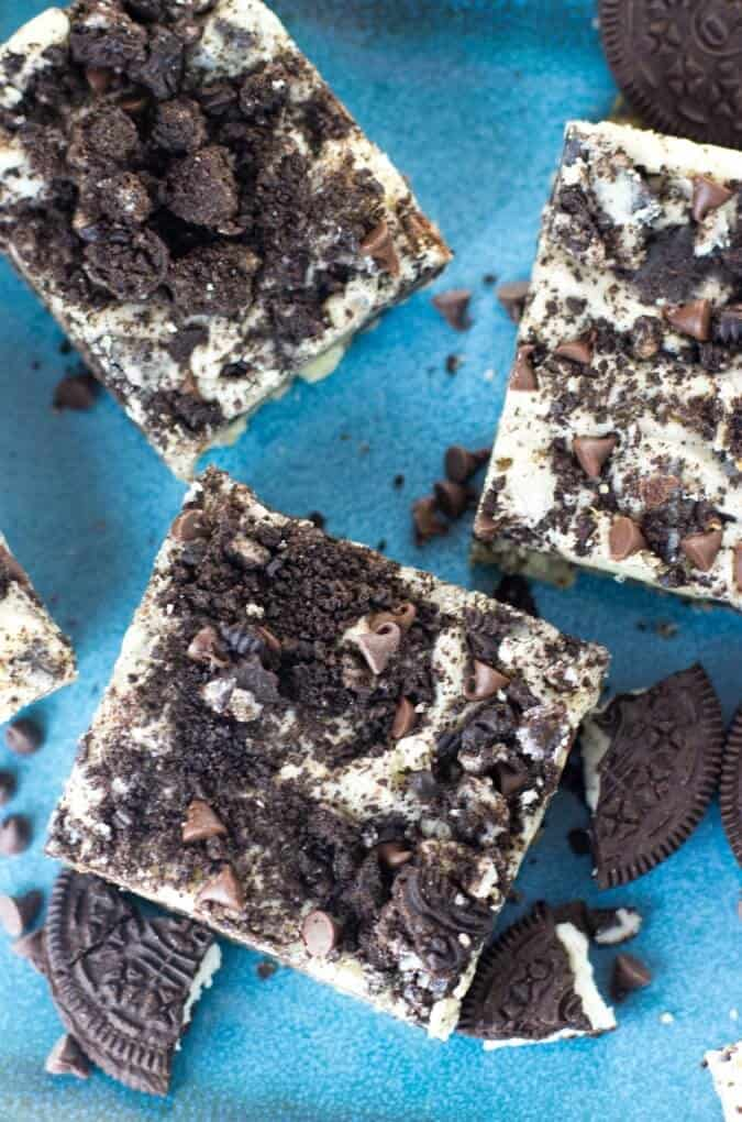 cookies and cream oreo bars on blue plate