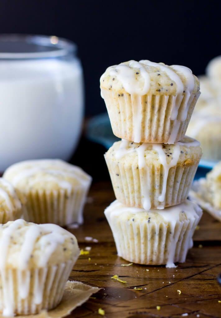 Mini Lemon Poppyseed Muffins -- SugarSpunRun