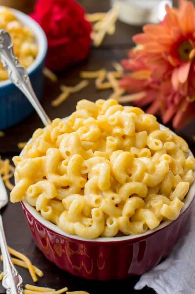 Homemade creamy mac and cheese, no flour and no roux required
