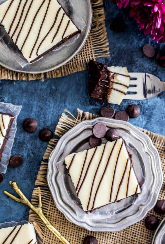 Cheesecake Brownies -- decadent, rich brownies with a thick layer of REAL cheesecake! || Sugar Spun Run