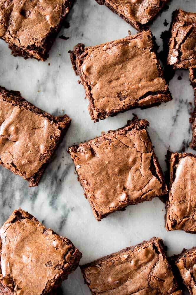 Homemade Brownies from Scratch -- easy, chewy, chocolaty, and made in one bowl! || Sugar Spun Run