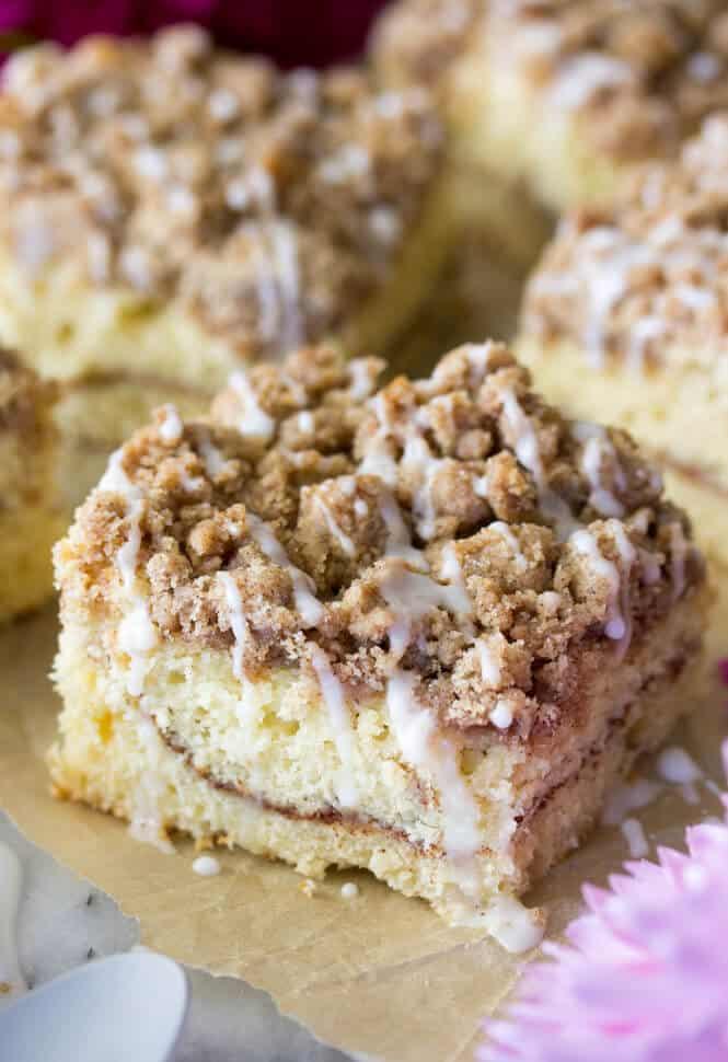 My favorite Cinnamon Coffee Cake recipe! It's so soft! || SugarSpunRun