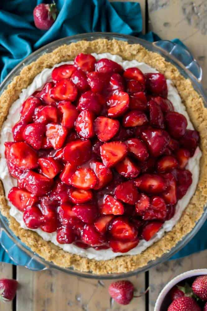 Strawberry Cream Cheese Pie || Sugar Spun Run