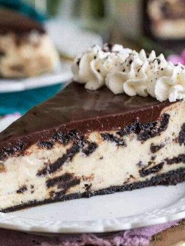 Oreo cheesecake slice on a plate