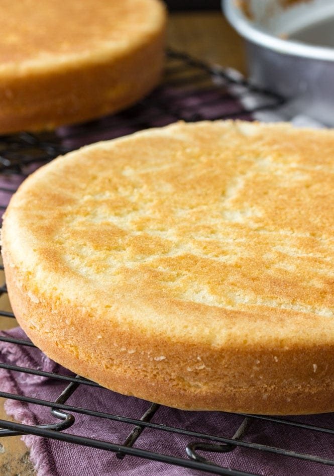 How to make easy vanilla cake from scratch