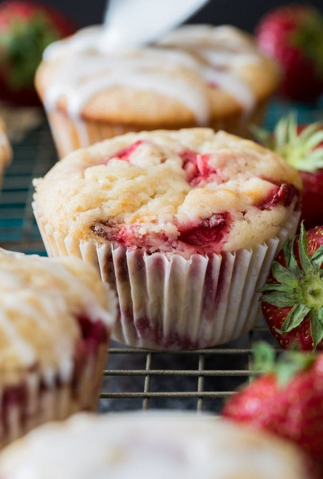 how to make the best strawberry muffins