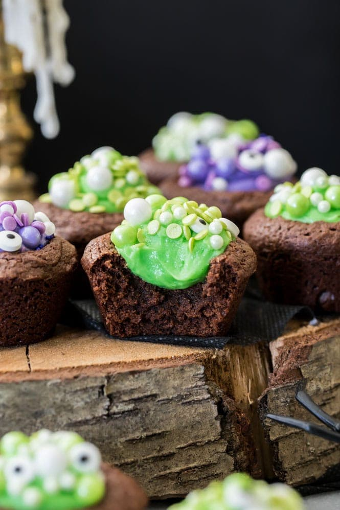 Halloween brownies with green filling
