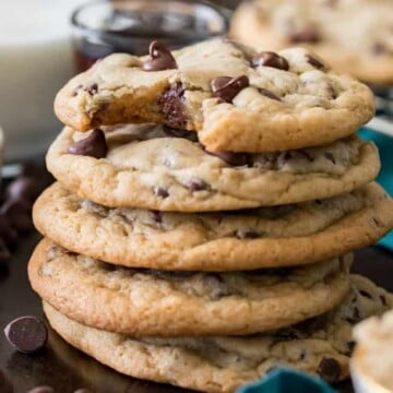 stack of 5 chocolate chip cookies