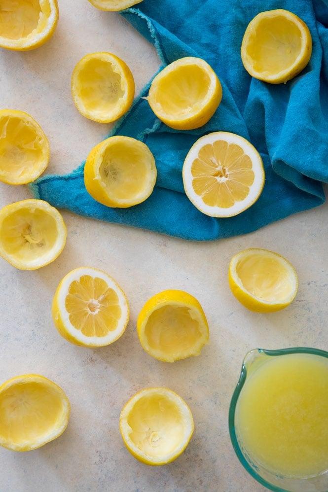 How to make lemonade: squeezing lemons for homemade lemonade