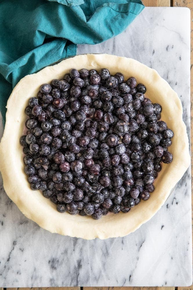 How to make blueberry pie: blueberry pie filling in pie shell