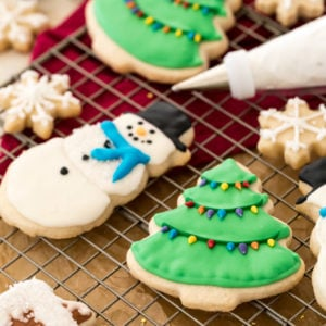 Cookies decorated with royal icing on cooling rack