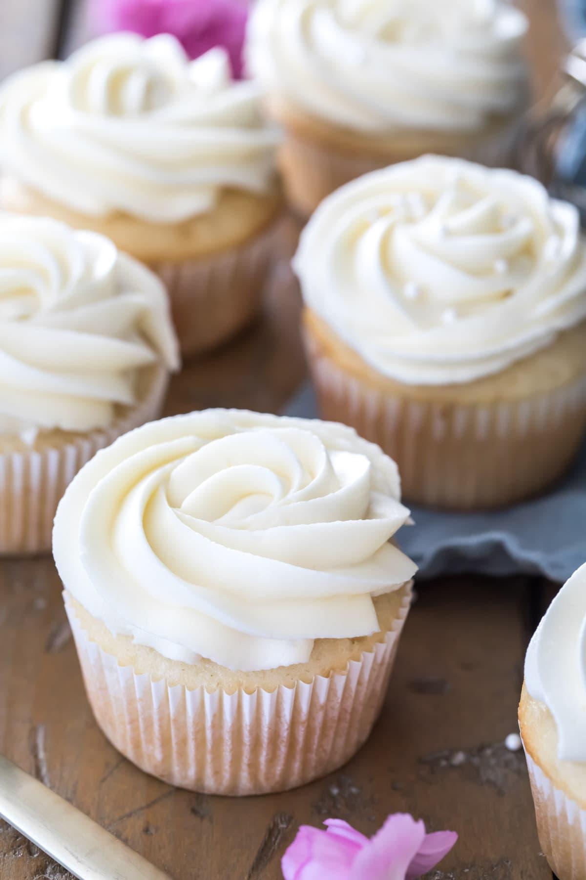 cupcakes with white chocolate swirls